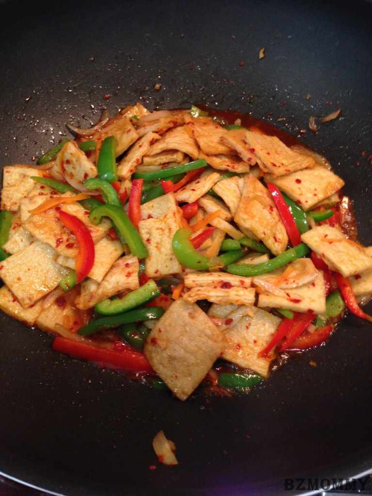 Korean side dish stir fried fish cakes eo muk for Side dishes for fried fish